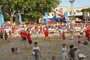 """Beach Waremme"" Tournoi open de beach volley + soirée 80'-90'"